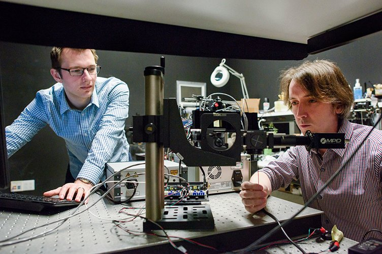 Grad student David Lindell and post-doctoral scholar Matt O'Toole at work in the lab. Source: L.A. Cicero