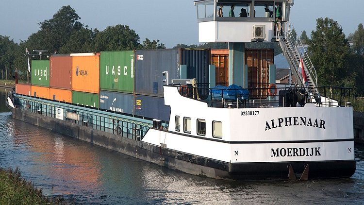 Watch how a swappable battery system propels inland vessel