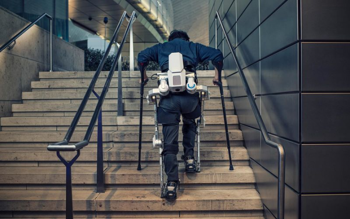 Robotic exoskeletons from Hyundai will improve the physical ability of some people and will seek to prevent many workplace injuries. Source: hyundai.news