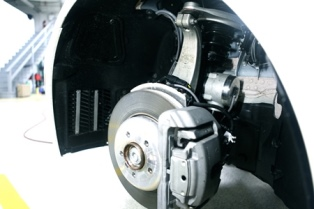Levánt Power's GenShock, an active suspension system, needs 48V to operate. Image source: Levánt Power.