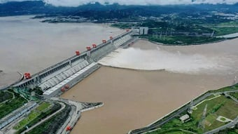 Video: Three Gorges sets annual hydropower generation record