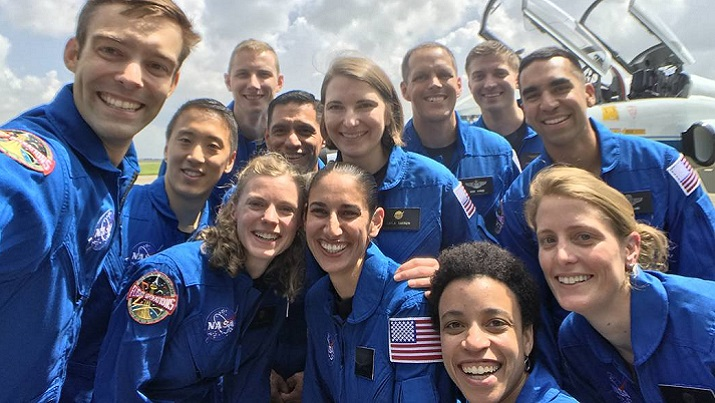 'Selfie' of the 2017 astronaut class. (Source: NASA)