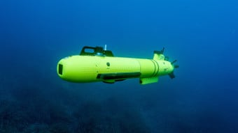 How Do Unmanned Underwater Vehicles Navigate Autonomously?
