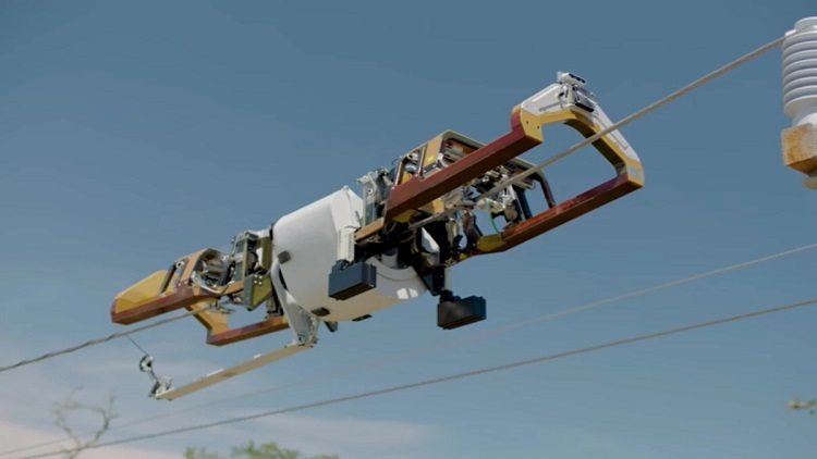 Watch aerial fiber deployment by this robot