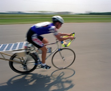 Solar PV helped power this bike in a 2012 race. Credit: Warren Gretz/NREL