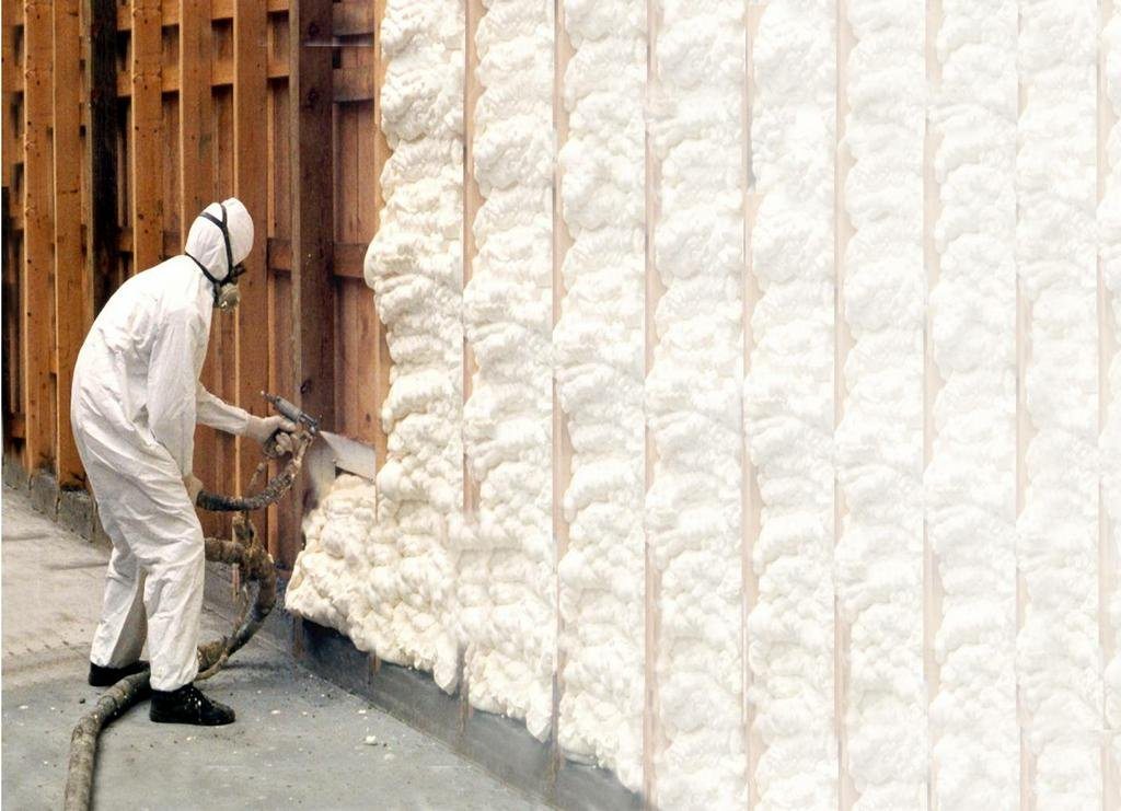 Spray Foam Insulation / By dunktanktechnician via flickr, CC BY 2.0 (https://www.flickr.com/photos/30585638@N07/6950426743)