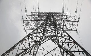 EPRI report examines impact of an E3 event on the electric grid. Source: Pixaby