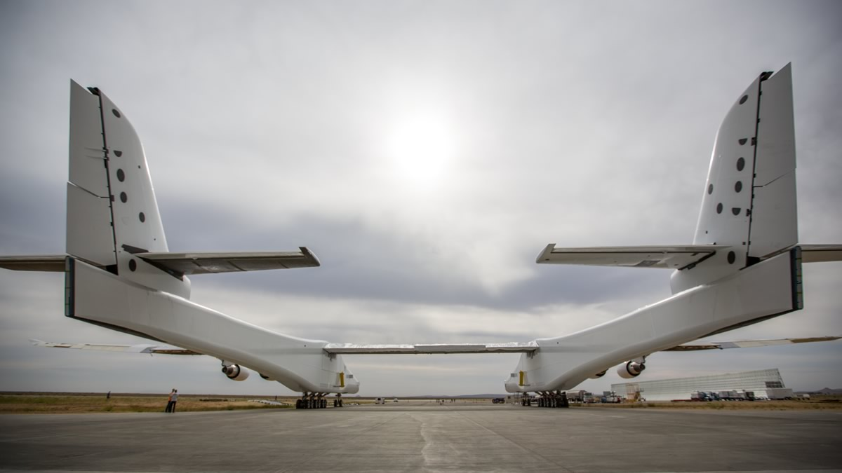 Stratolaunch rear view. Source: Stratolaunch