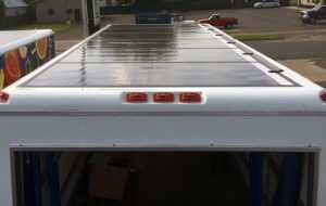 Photovoltaic panels mounted on the dairy truck's roof. (Source: eNow)