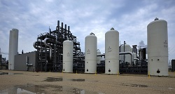 The hydrogen-production facility located at the Valero Port Arthur Refinery in Port Arthur, Tex. (Image courtesy of Air Products and Chemicals, Inc.)