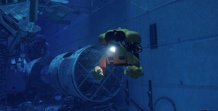 Electric, undersea drone transforms between autonomous and